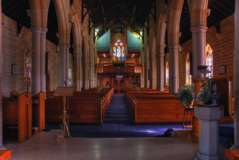 الكنيسة مستشفى